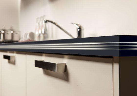 Til uw kunststof keukenblad naar een hoger niveau met een luxe ...