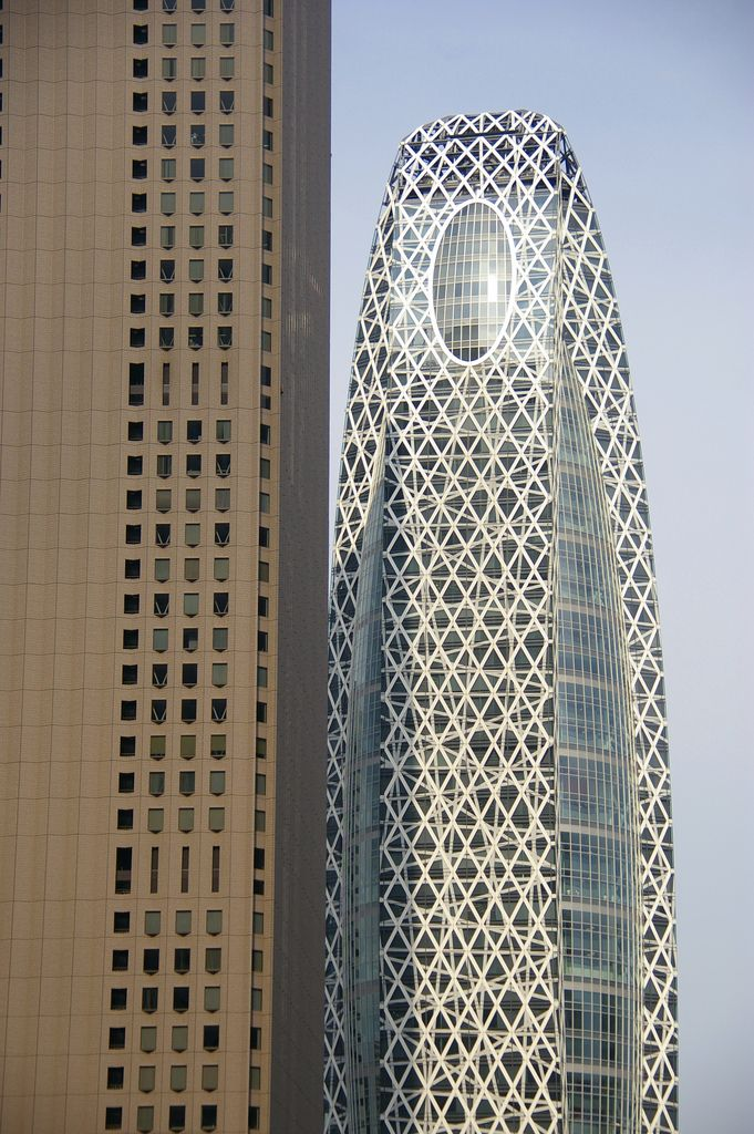 By Tange Associates Architects, Gakuen Cocoon Tower in Tokyo