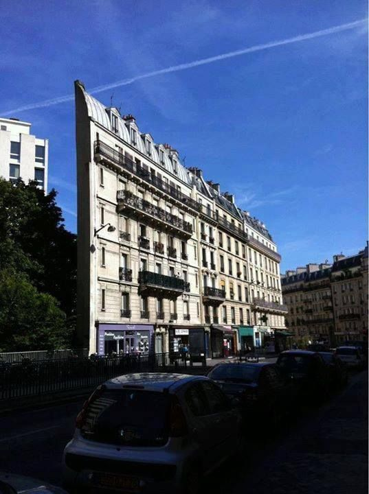The narrowest building is located in Paris, (Skinny ... on