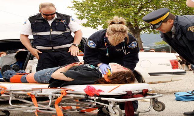 paramedics Paramedics rush to crash scene JOBs Pinterest - paramedic job description