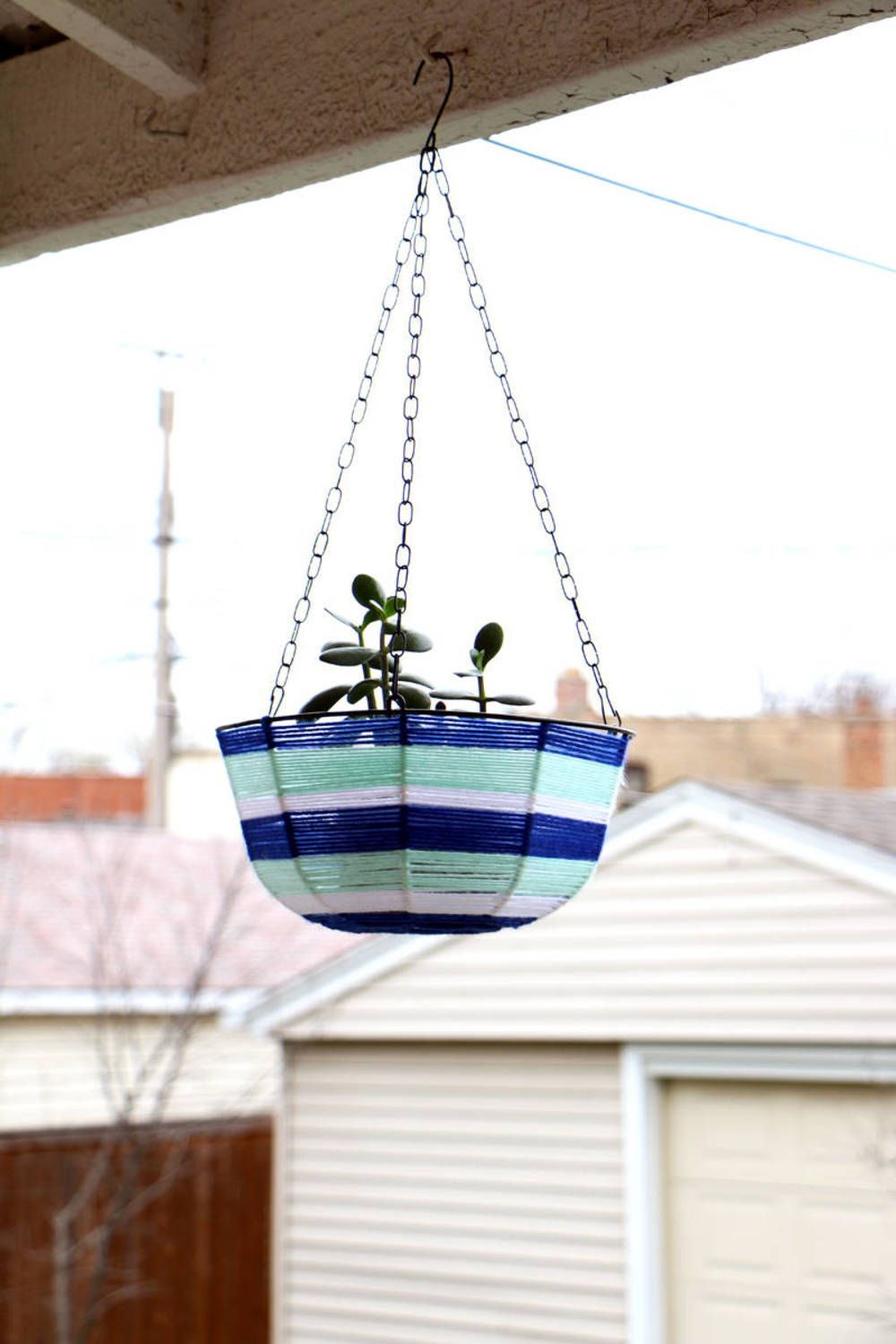 Dollar Store Hanging Planter Makeover Hanging Planters 400 x 300