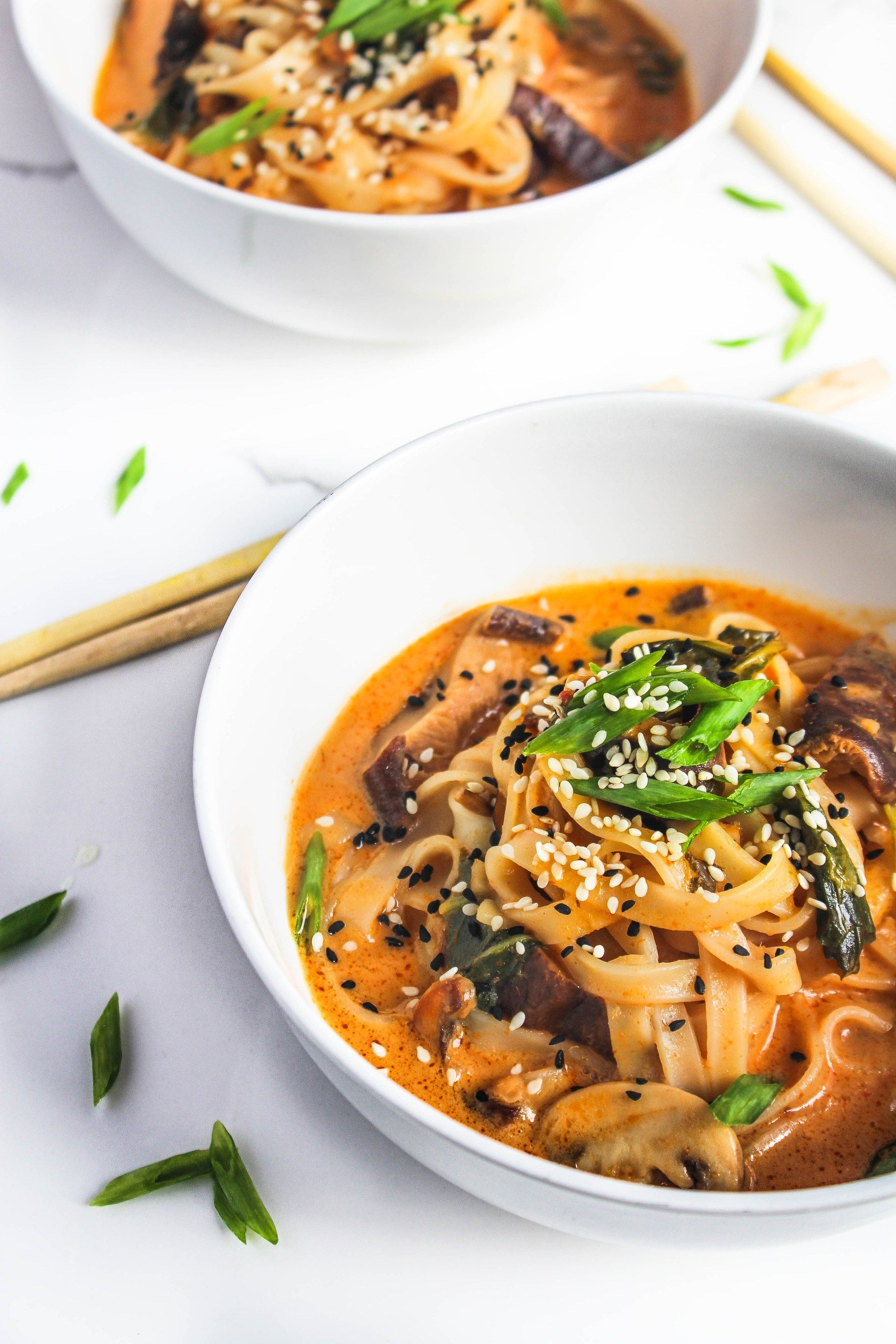 Soupy Thai Red Curry Rice Noodles The Twin Cooking Project By Sheenam Muskaan Recipe Curry Rice One Pot Vegetarian Curry