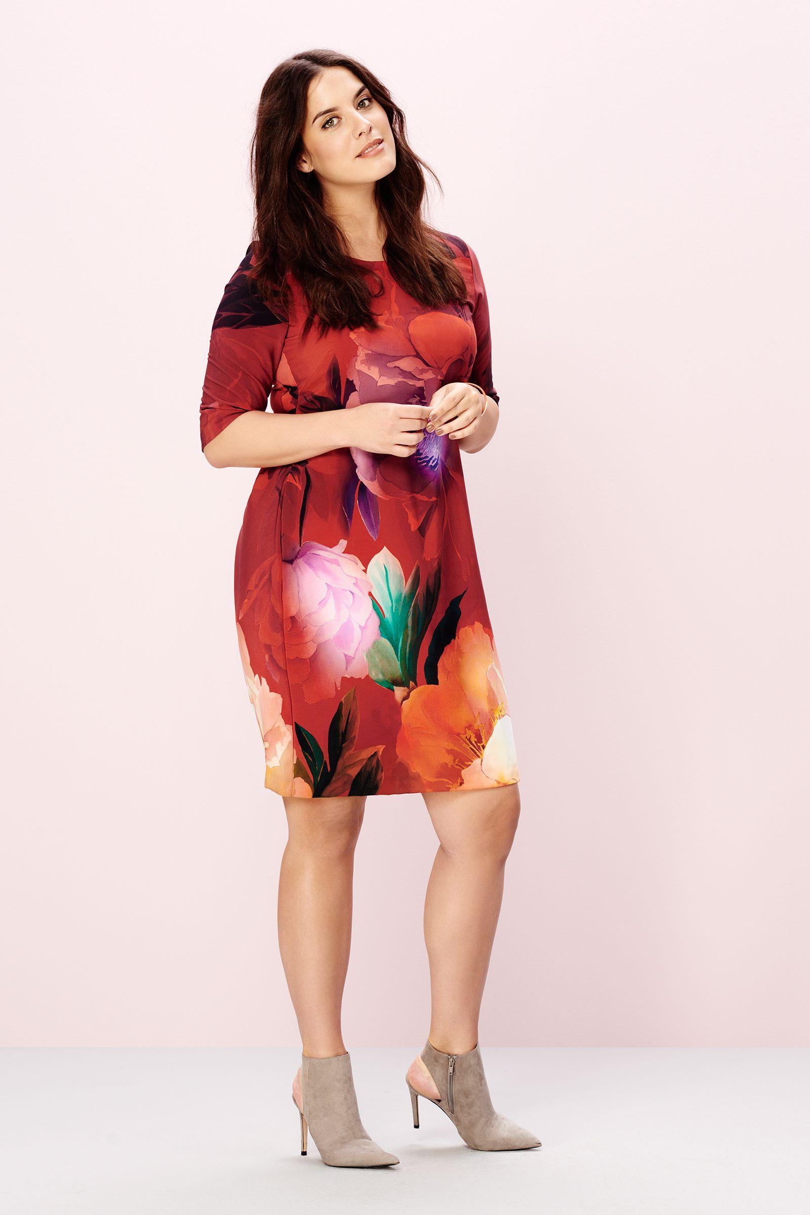 Red roses dress Plus Size Dress (Curvy Fashion)