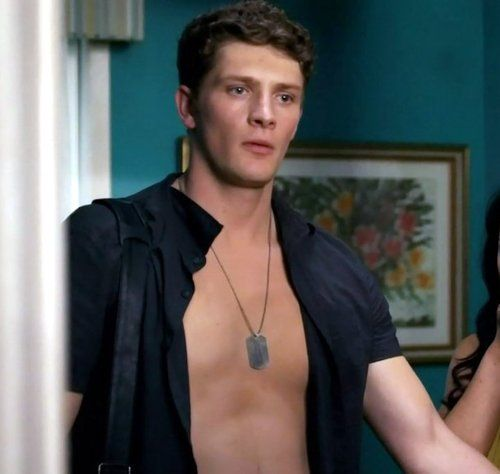 brett dier pretty little liars