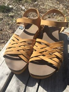 Floggs Milli Woven Heel Sandals Size 9 Free SHIP | eBay