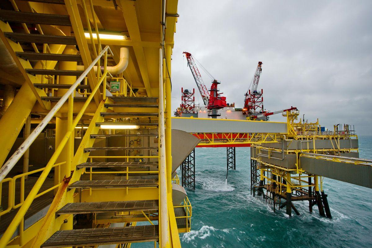 Total offshore platform K5, taken by Menno Mulder. Oil