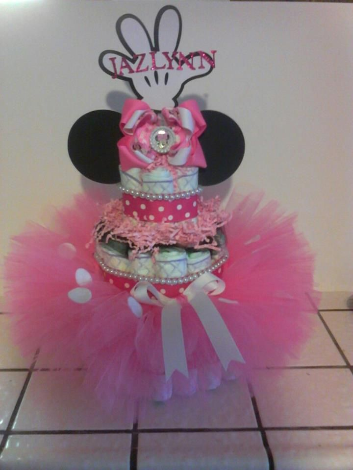 Minnie Mouse Diaper Cake and Handmade tutu and hair bow. Collaboration with a friend of mine.