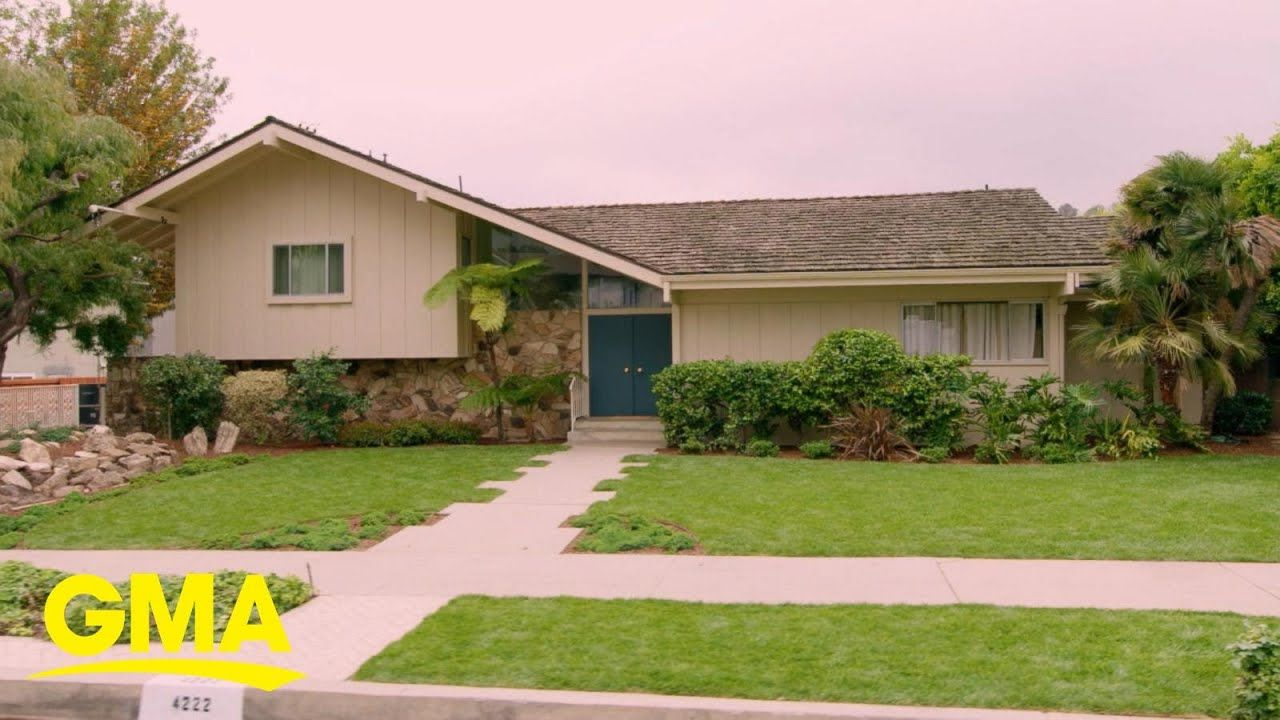 1st look at the newly-renovated Brady Bunch house l GMA - YouTube #bradybunchhouse