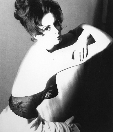 Wilhelmina Cooper - Photo by: Lillian Bassman, 1960