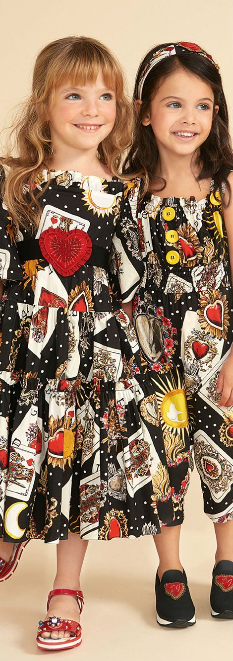 555bd2c141 DOLCE   GABBANA Girls Mini Me Black Queen of Heart Card Print Outfit for  Spring Summer 2018. Love this delightfully pretty mini me look inspired by  the D G ...