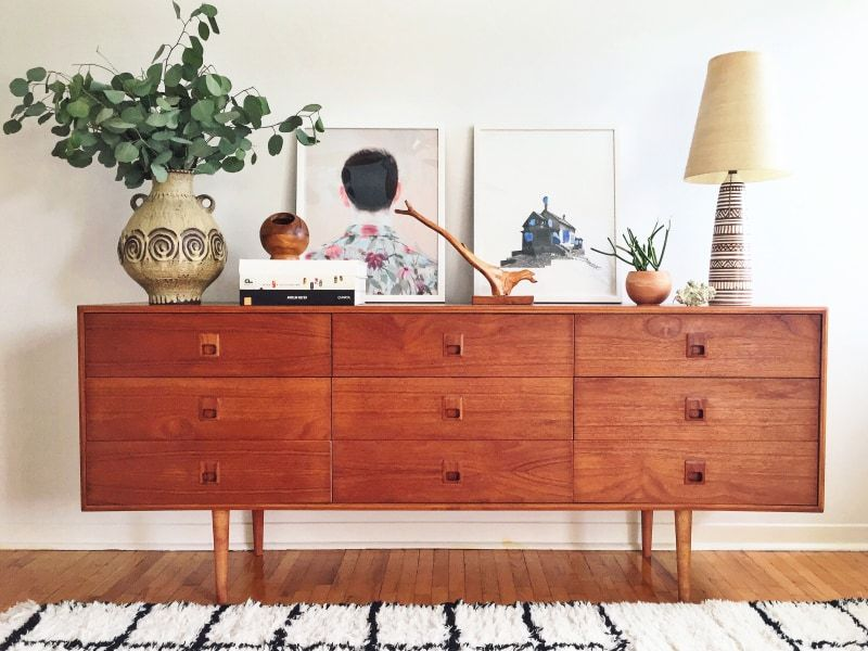 Photo of Elaine Gaito's Toronto Home Tour Is Filled With Local Art and Old Records