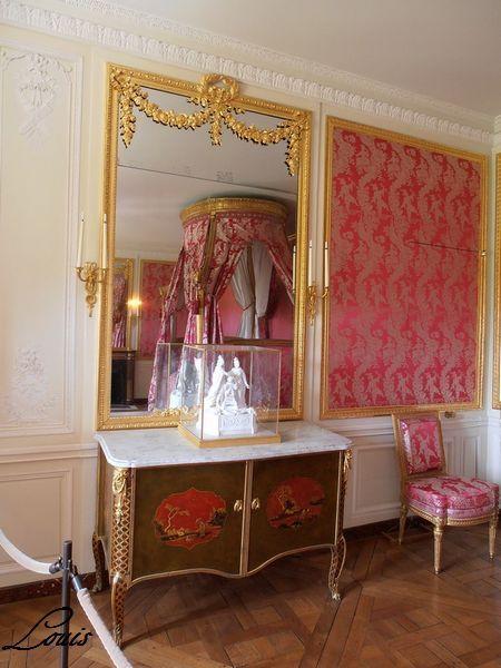 Petit trianon entresol et attique pt3 chambre louis for Chambre louis xvi versailles