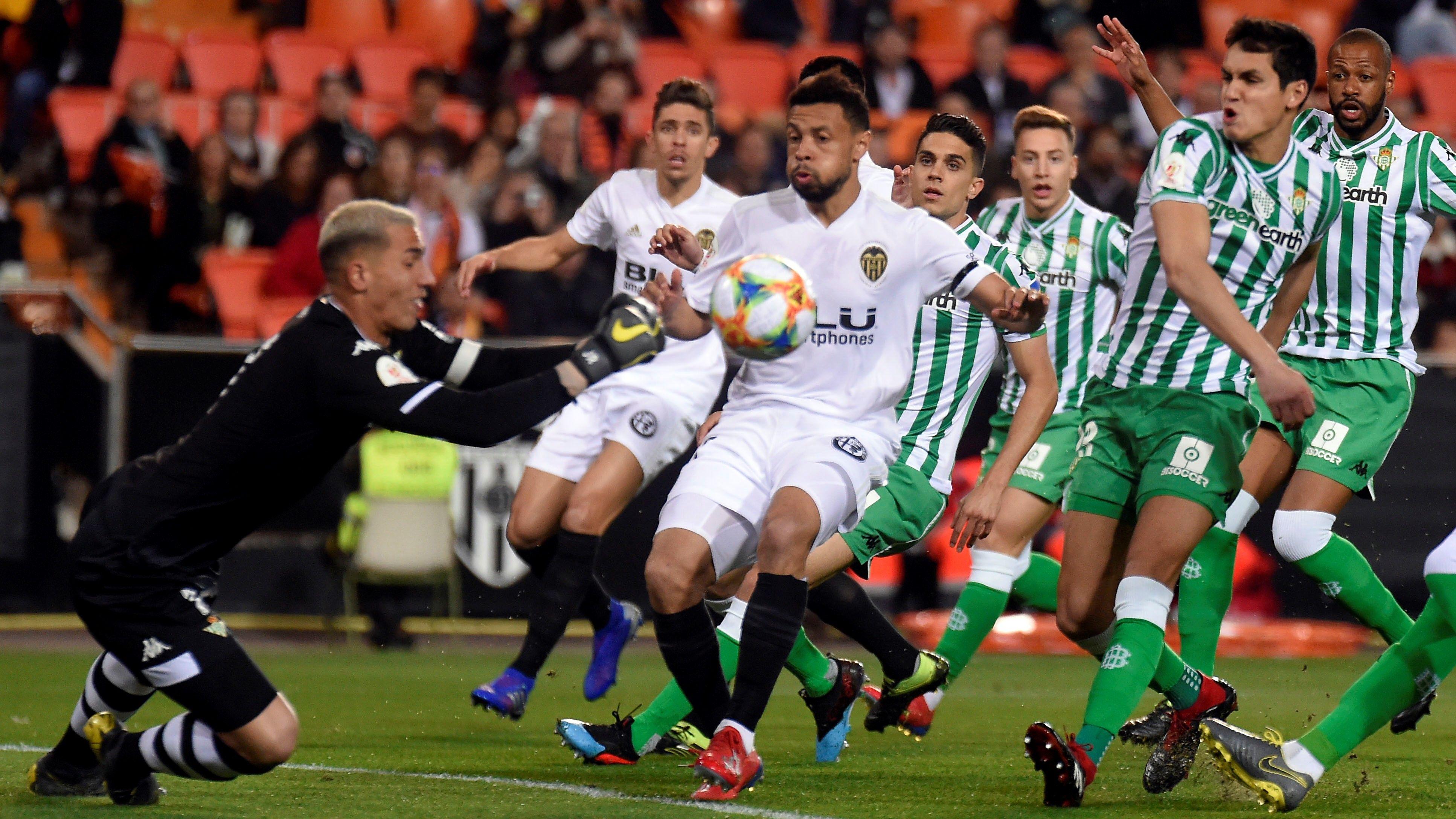 Levante Vs Real Betis En Vivo Minuto A Minuto 28 06 2020 Tarjeta Roja Futbol En Vivo Ver Partido