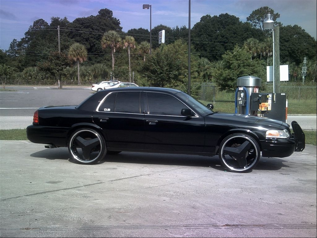 24s 2001 Ford Crown Victoria Kar Ford Ford Motor Company Cars