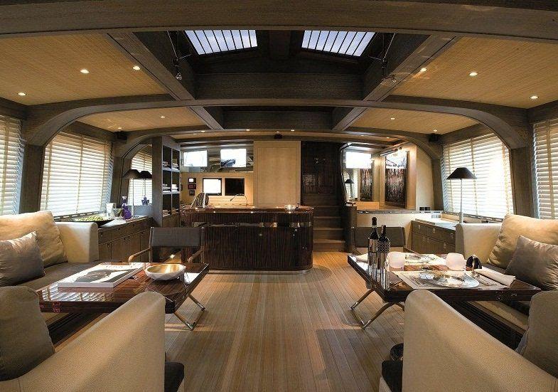 Superyachten interieur  Superyacht of the Week: The stunning 46.8 metre superyacht Roxane ...