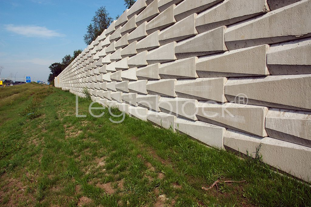 Noise Barrier Noise Insulation Landscaping A Slope Noise Barrier