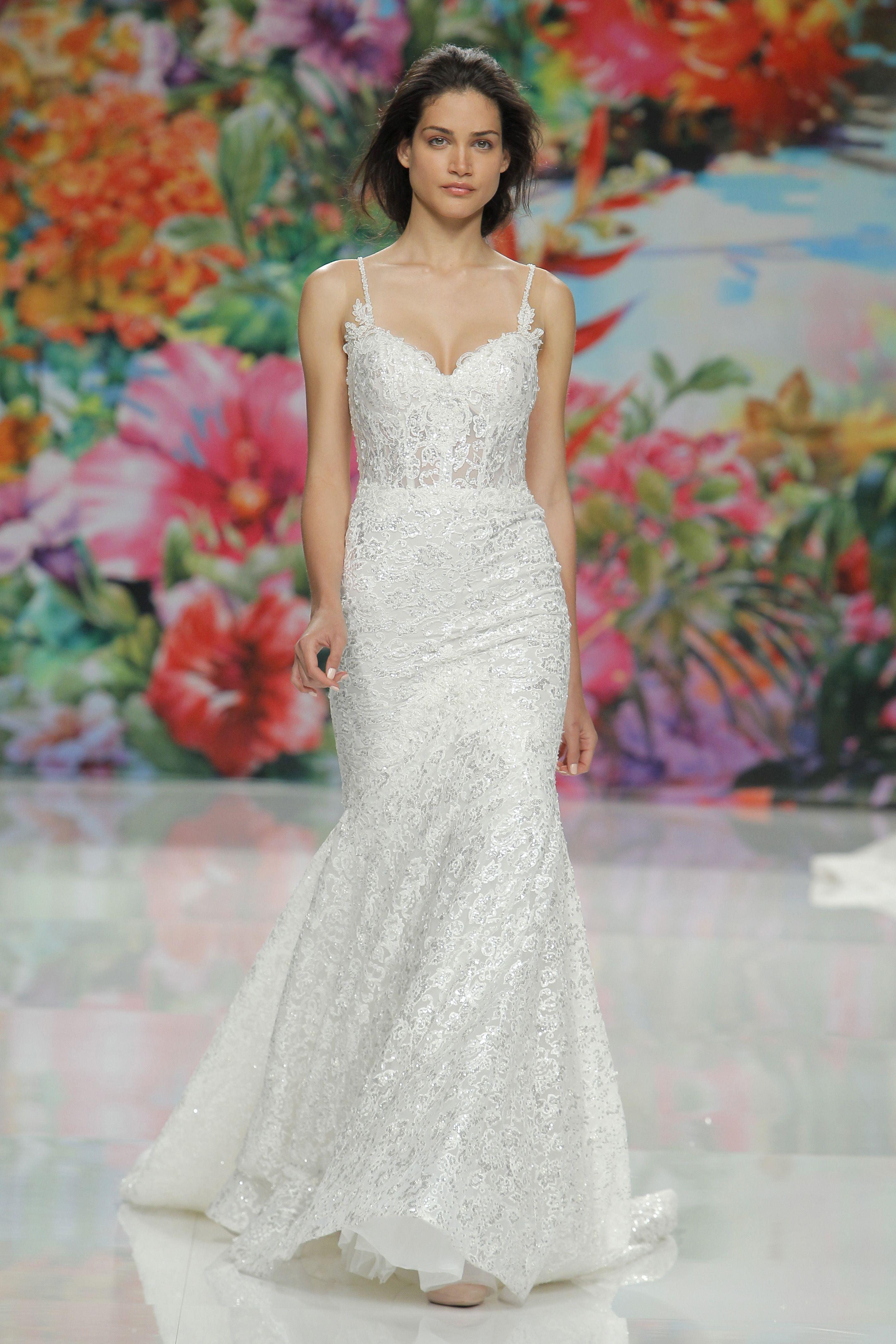 Barcelona Bridal Fashion Week S Best Dressed Wedding Dresses For Tall Women Wedding Dress Styles Pretty Wedding Dresses