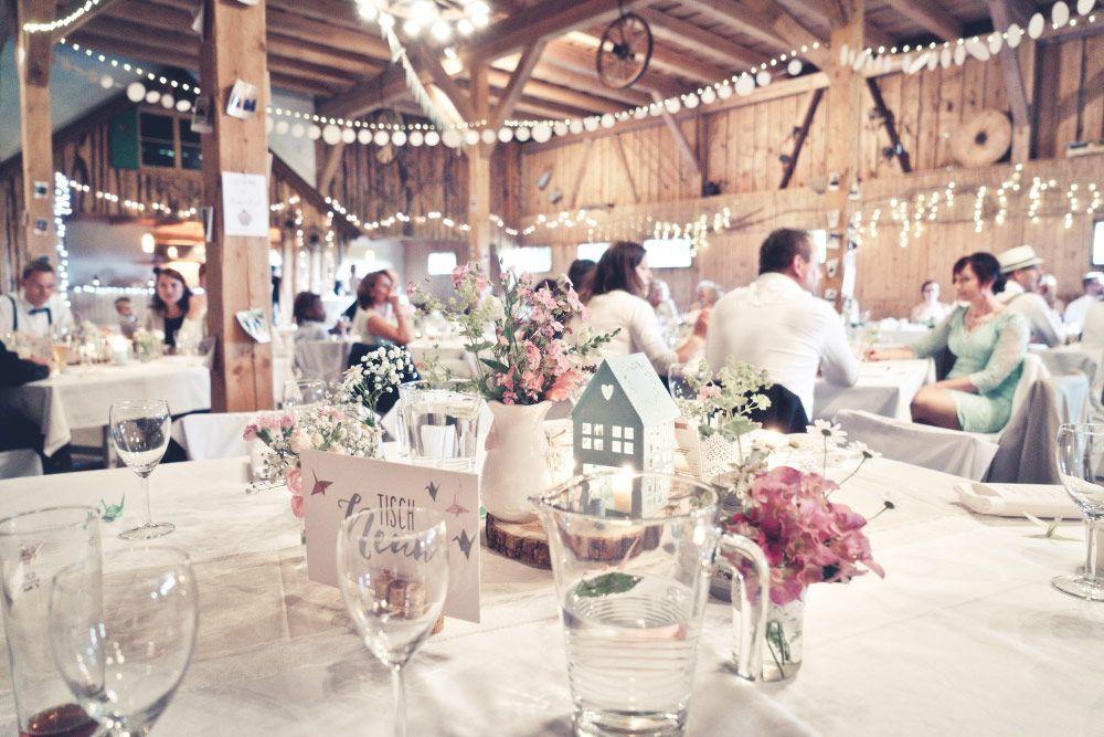 Tischdeko Bei Der Vintage Hochzeit In Der Scheune Foto Viktor