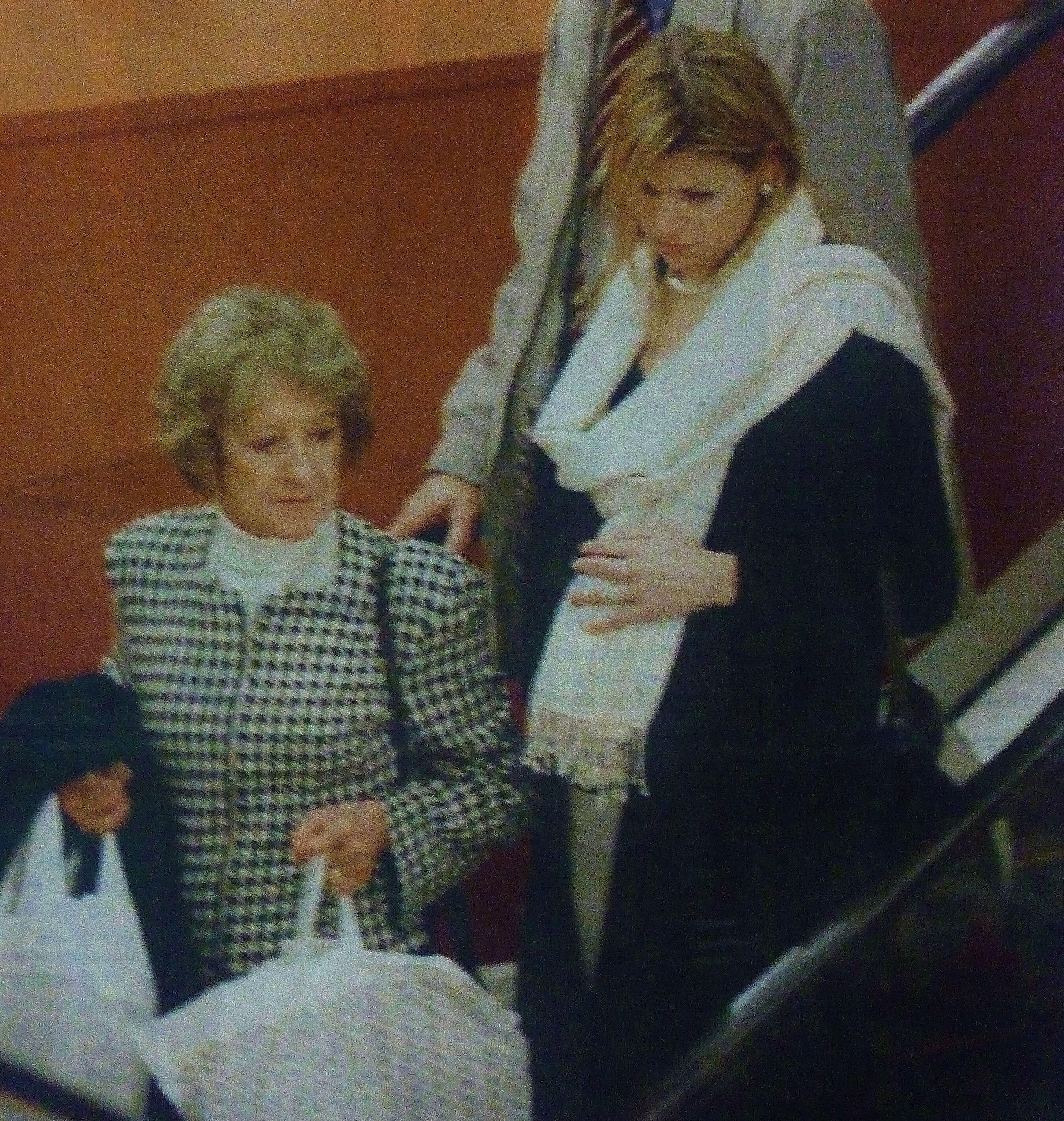 December 2003, 9 Maanden Zwanger Winkelend In De Den Haag