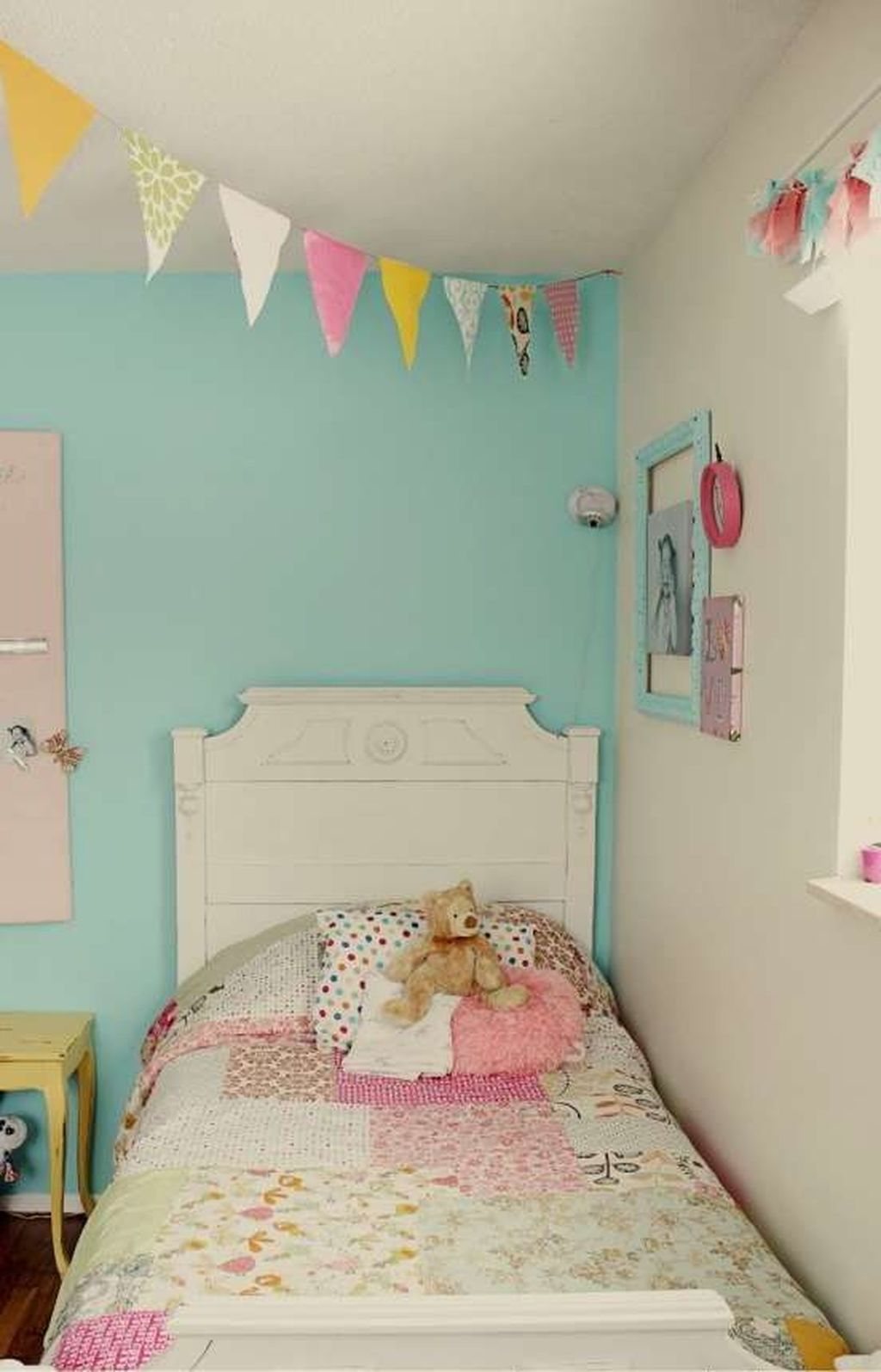 33 Perfect Toddler Girls Room Design Ideas With Painted Photo Frames In 2020 Girls Bedroom Colors Girls Bedroom Paint Girls Room Paint