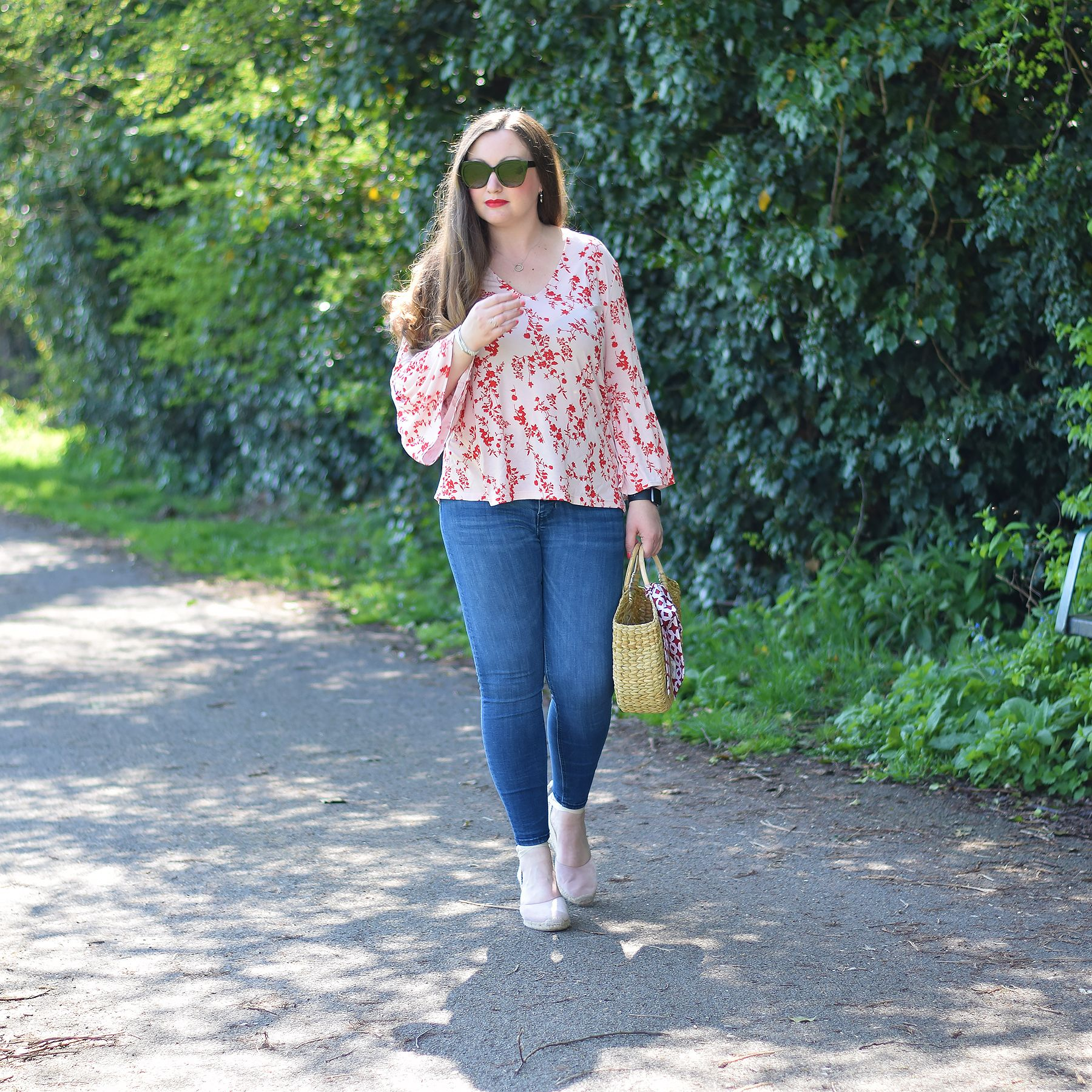 05bf4a7278d86 Pink And Red Floral Top Outfit - Spring outfits - Straw bag and espadrilles