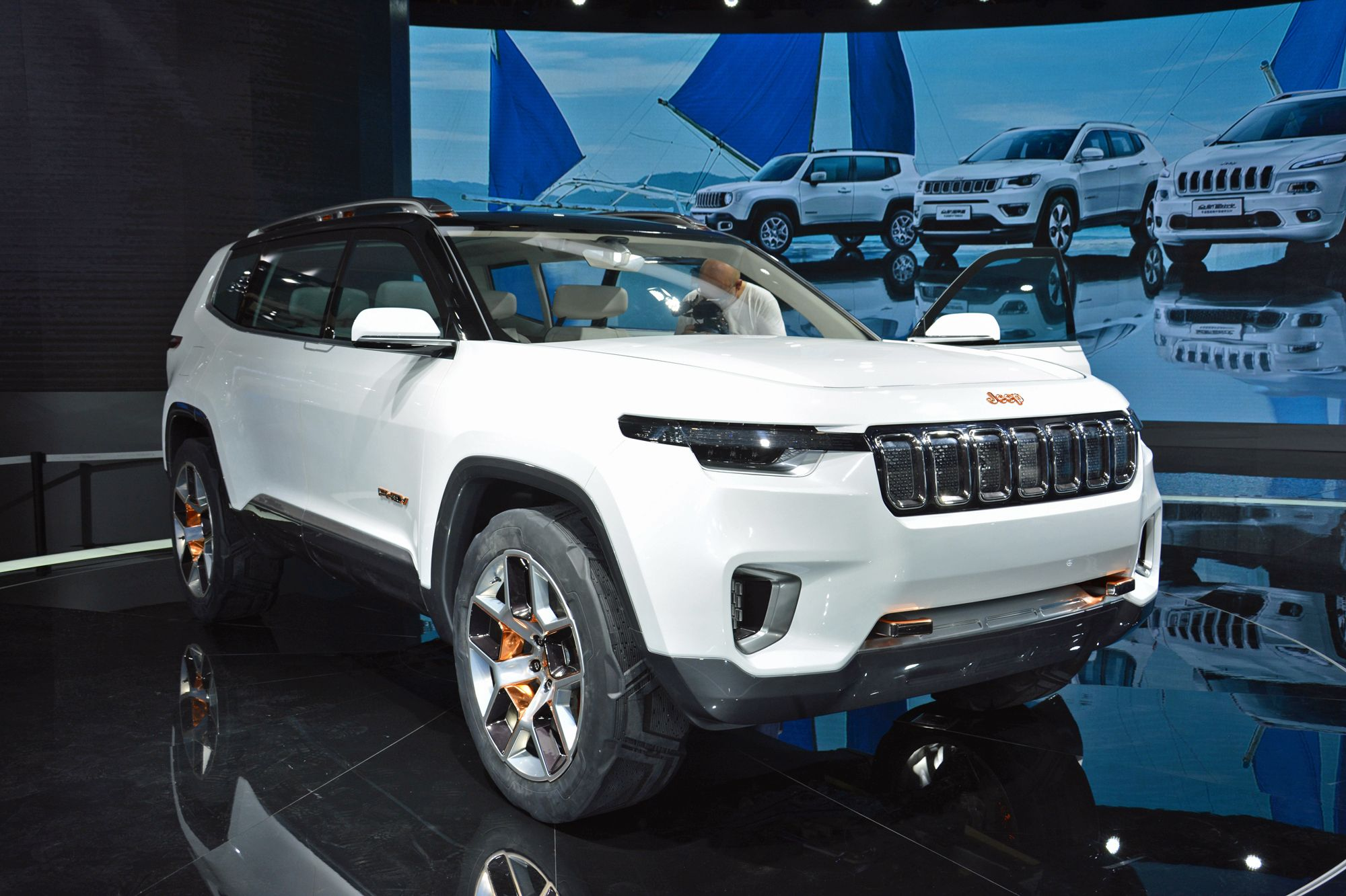 Jeep Yuntu Concept For Shanghai May Have Plug In Hybrid Powertrain Jeep Jeep Grand Jeep Grand Cherokee