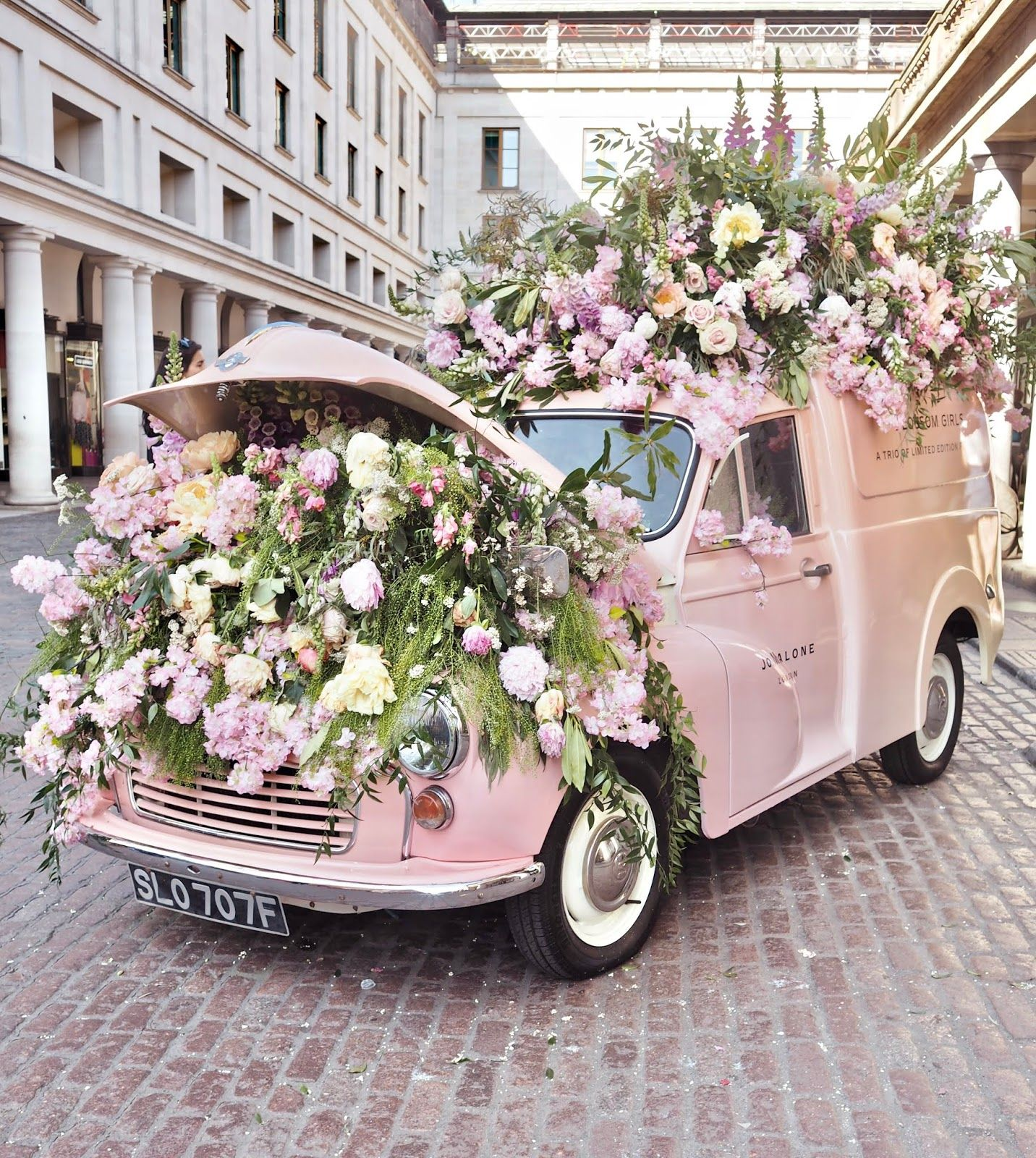 Vlog Chelsea Flower Show And London Trip Dainty Dress Diaries Flower Truck Most Beautiful Flowers Chelsea Flower Show