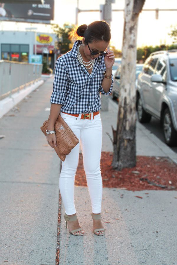 20 tips on how to wear white jeans With a flannel or plaid shirt – a bright belt makes this look pop even more.