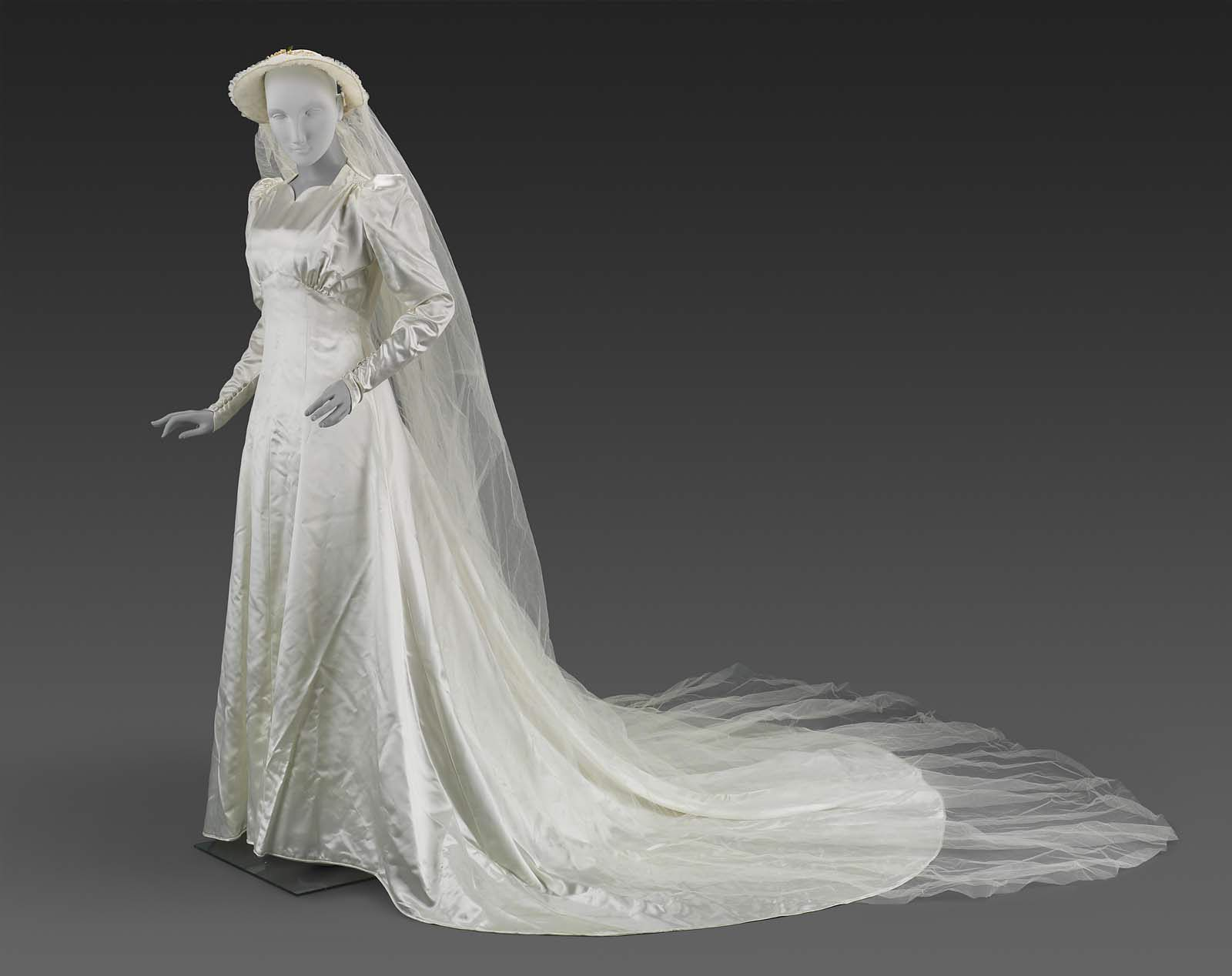 1938, America - Woman\'s wedding dress (dress and veil) made for ...