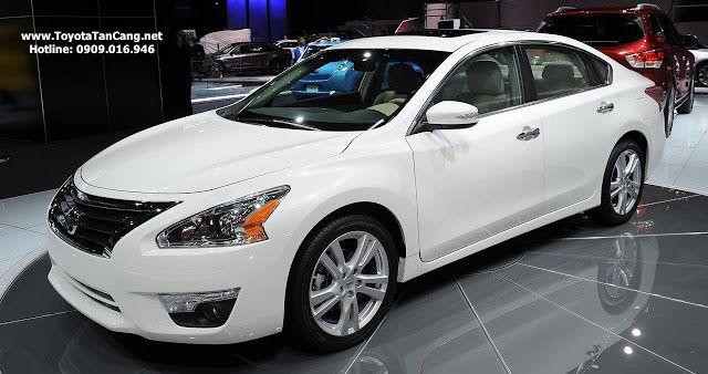 """Nissan Teana có bộ Lazang đúc 17"""" với cỡ lốp tương ứng 215/55R17"""