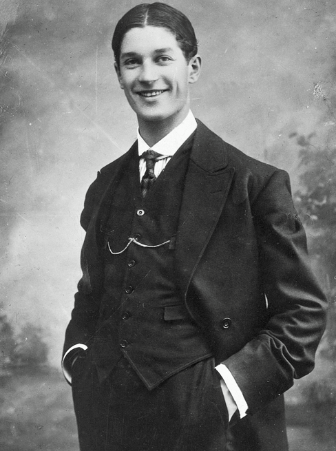 Maurice Chevalier photographed by Henry Guttmann, ca. 1913