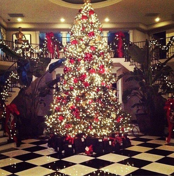 Kim Kardashian's Christmas tree is over the top!