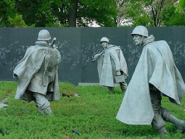 Korean War Memorial Wall | ... and Memorials, Korean War Veterans Memorial, Platoon with Granite Wall