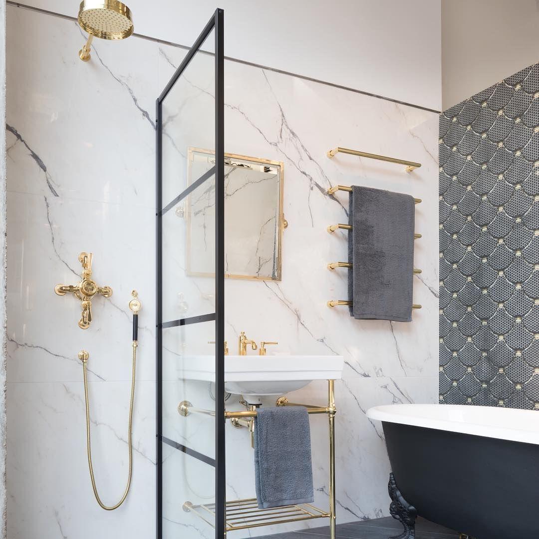 Crittall Style Showers A Striking Way To Frame A Walk In Wet Room Or Shower Area Crittall Crittal Bat Bathroom Inspiration Bathroom Design Small Bathroom