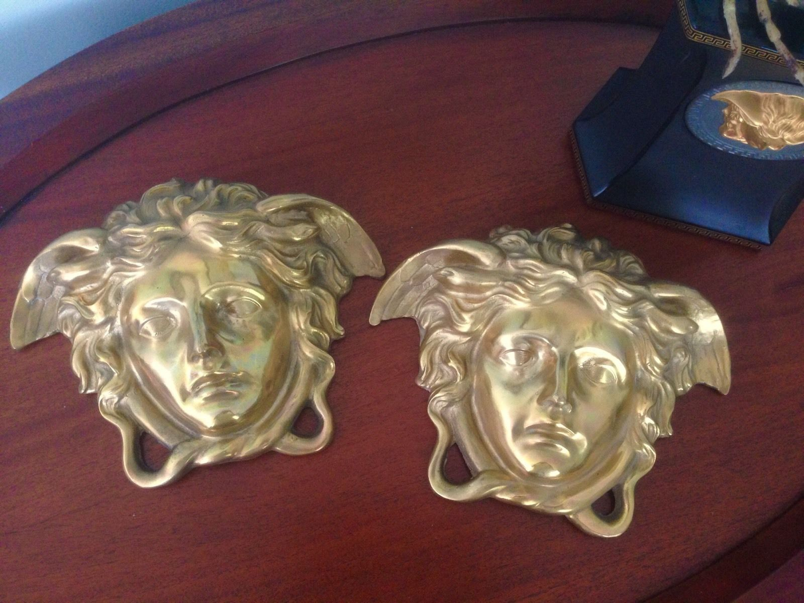 A Pair Of Large Versace Shop Display Medusa Head Wall Plaques Solid Bronze Home Amp Garden Home Decor Figurines Ebay