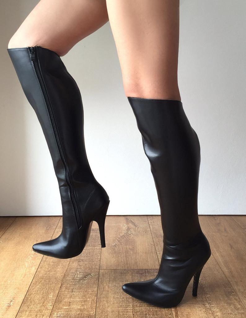 ボード「Im into boot sex heavy」のピン
