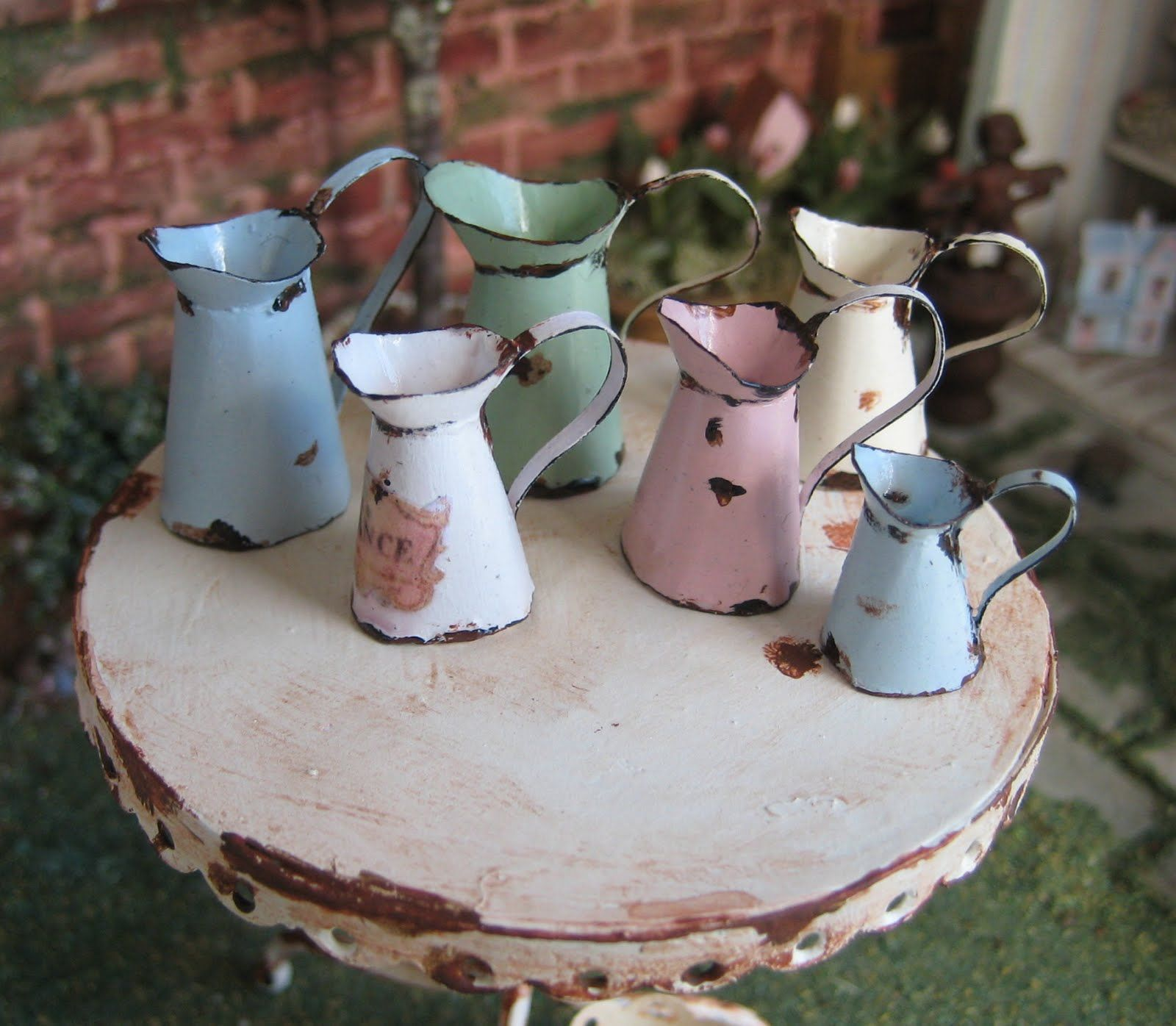 Vintage Kinderküche Chippy Pastel Pitchers | Emailgeschirr, Emaille, Teekanne