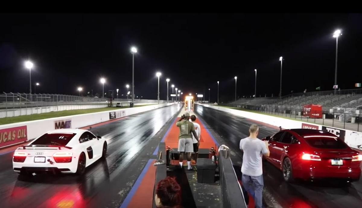Tesla Model S Vs Audi R8 V10 1 4 Mile Drag Ends With Surprising Results Electriccars Electricvehicles Tesla Teslamode Tesla Model S Tesla Model Audi R8 V10