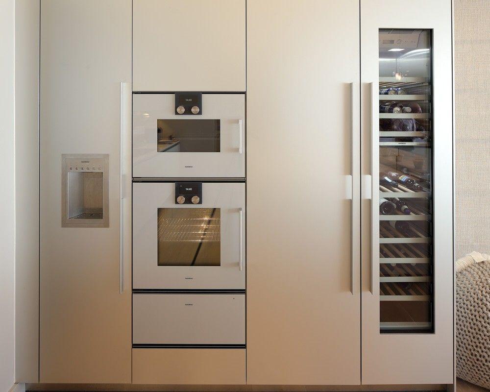 Bulthaup B3 Tall Units In Natural Aluminium Finish With Gaggenau  # Muebles De Cocina Gaggenau