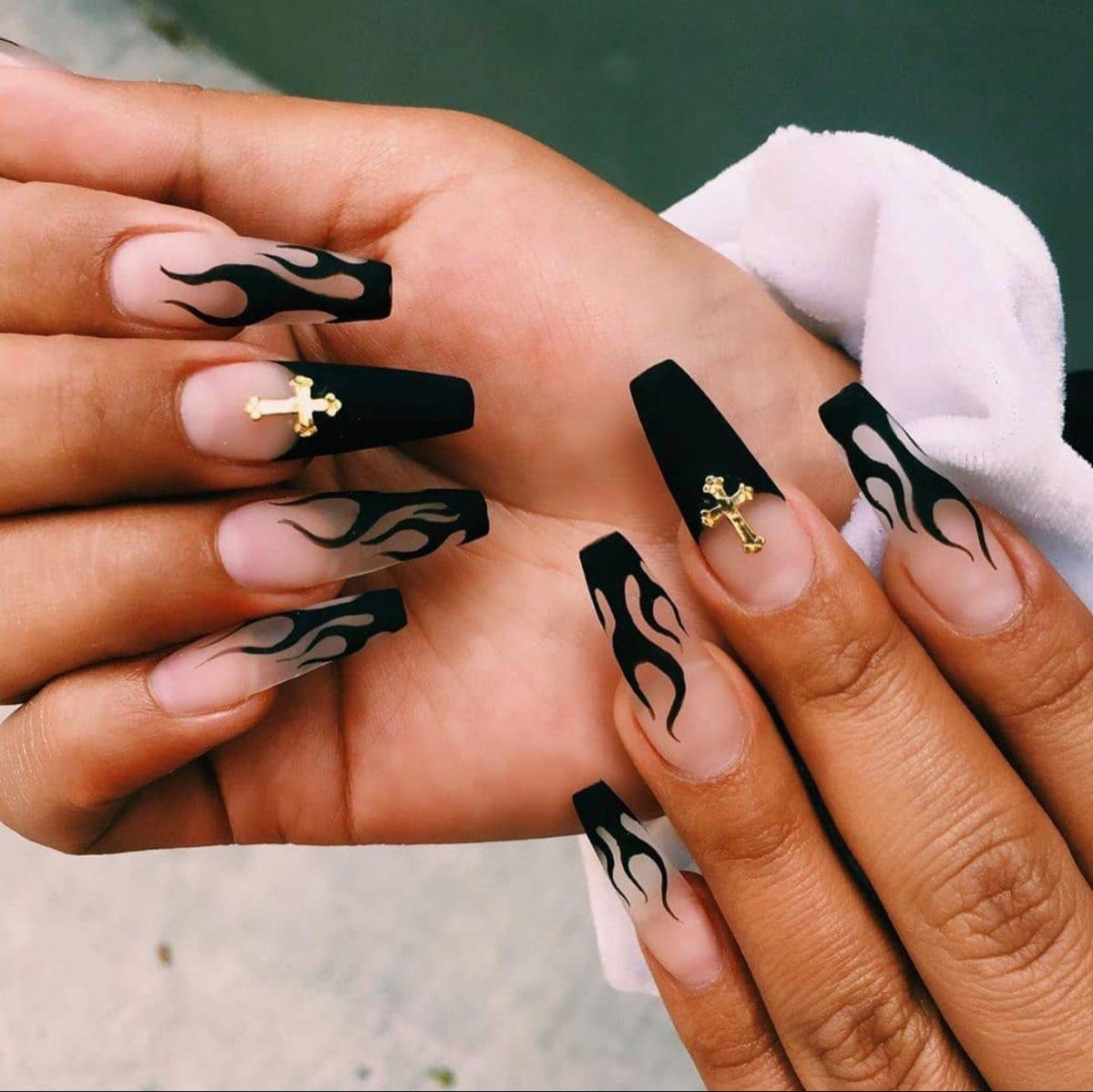 Matte Black Flame Acrylics In 2020 Halloween Acrylic Nails Fall Acrylic Nails Acrylic Nails