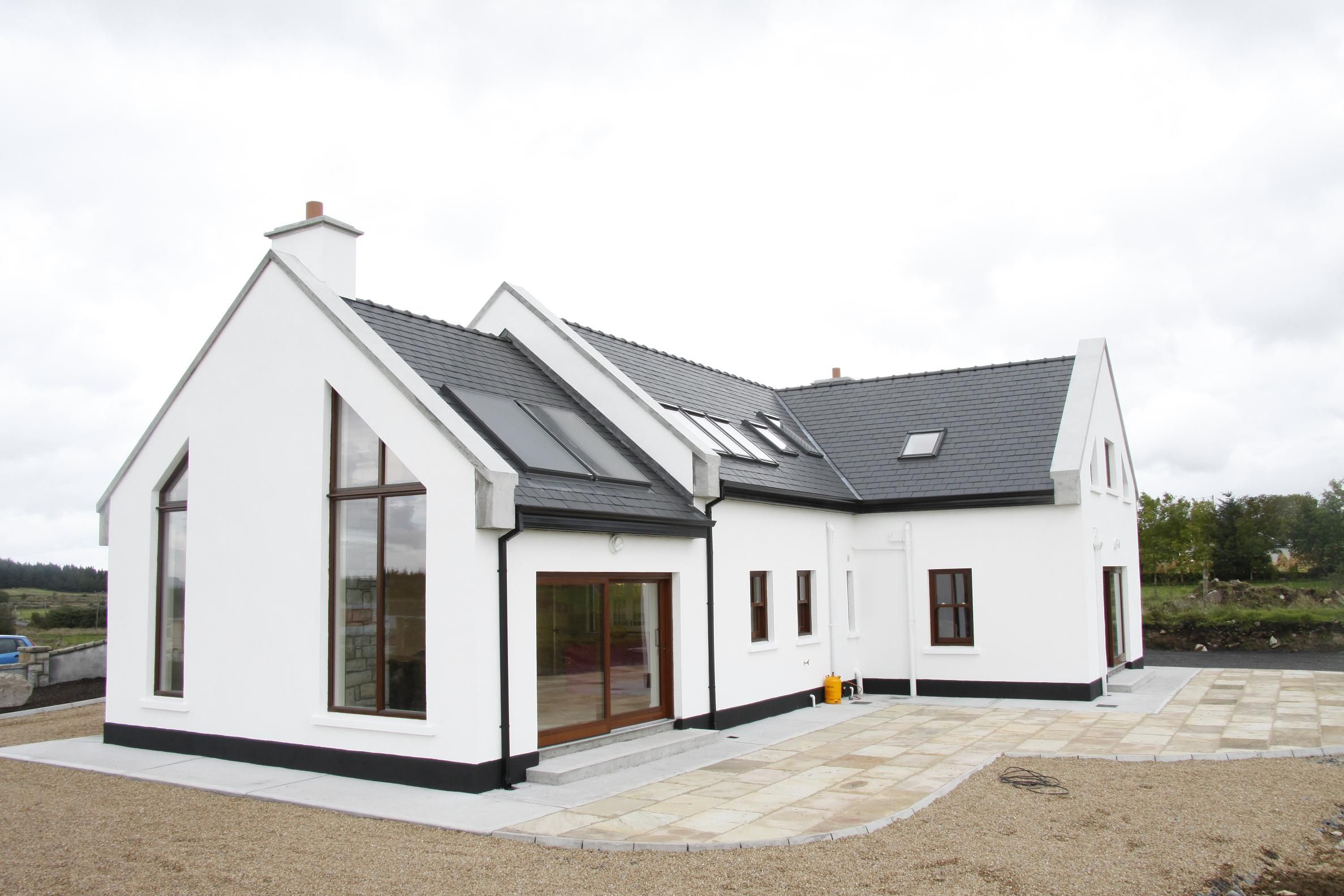Exterior bungalow house ireland google search house for Traditional irish cottage designs