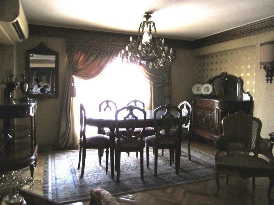 Dining room furniture classic style