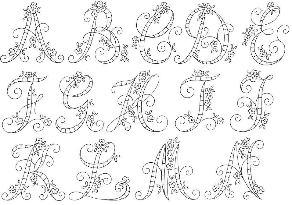 algunos abecedarios de internet para bordar a bastidor | alfabeto ...