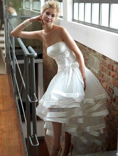 e7f121d59a86 abiti da sposa corti colorati - Cerca con Google Nozze Di Carnevale