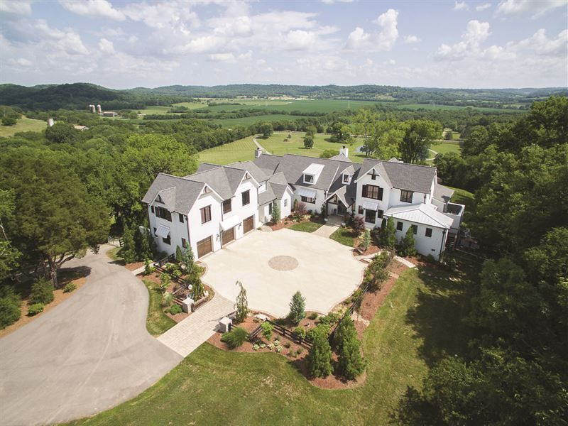 Luxury Farmhouse On 20 Acres Franklin Williamson County Tennessee House Plans Mansion Country Real Estate Acre