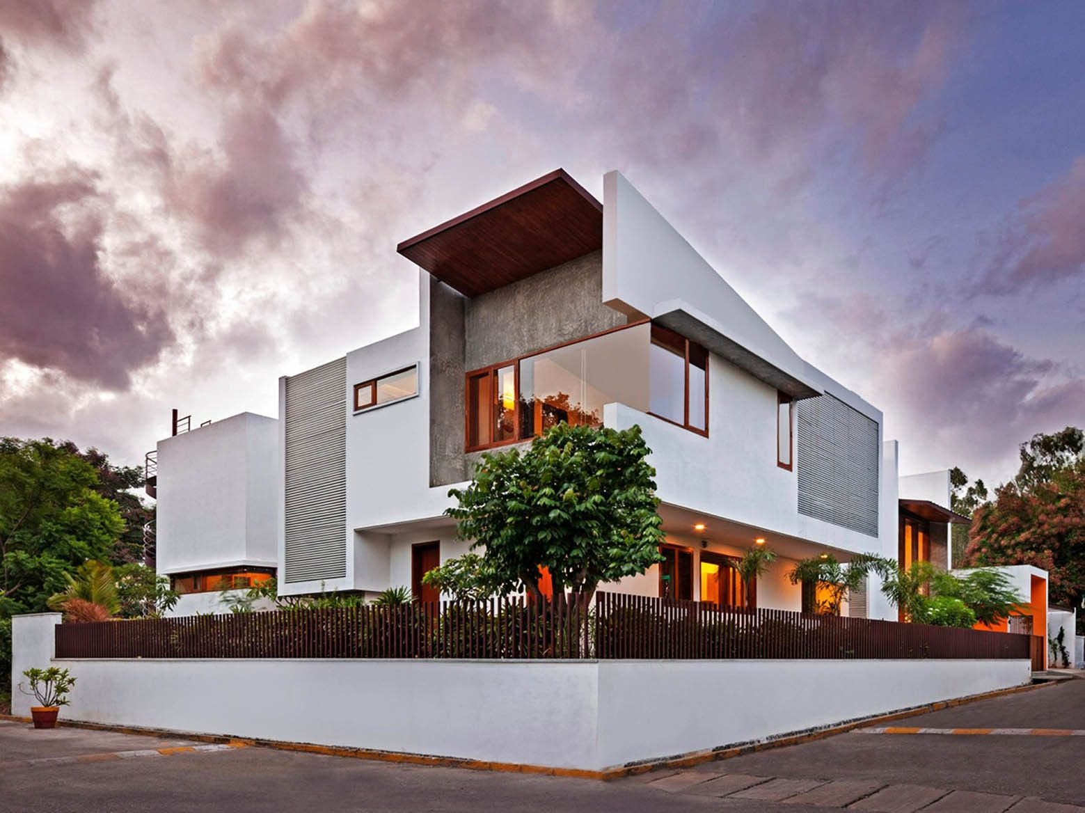 Gallery of L- Plan House / Khosla Associates - 11   House ...
