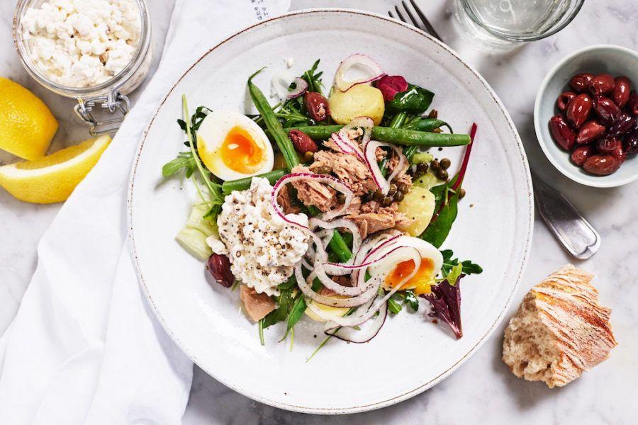 Sallad Nicoise med tonfisk, ägg och keso