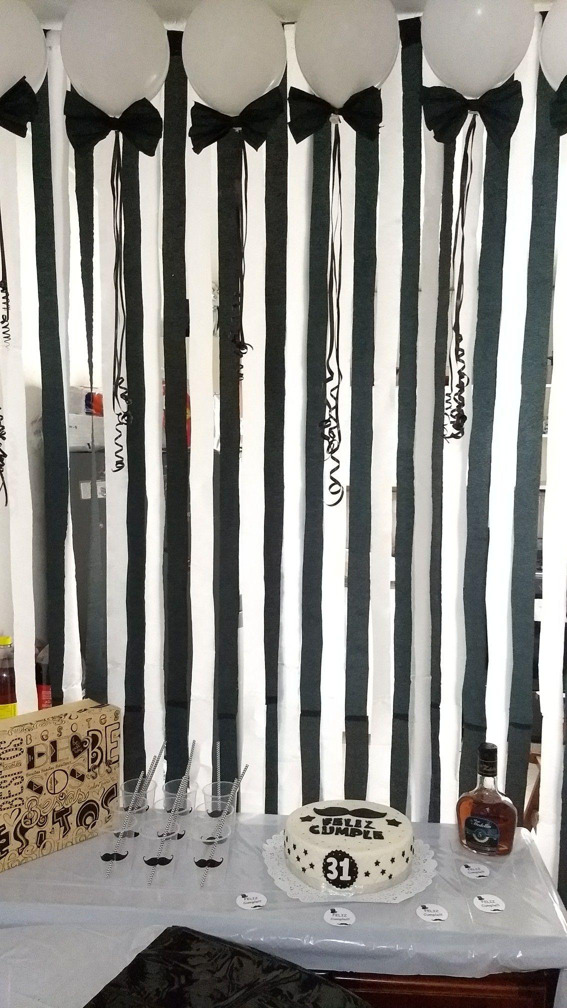 Party mostacho decoraci n en 2019 adornos cumplea os for Decoraciones para cuartos de hombres