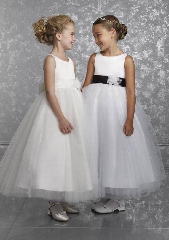 12b1fac77a49 Abiti damigelle bambine sposa (Foto)