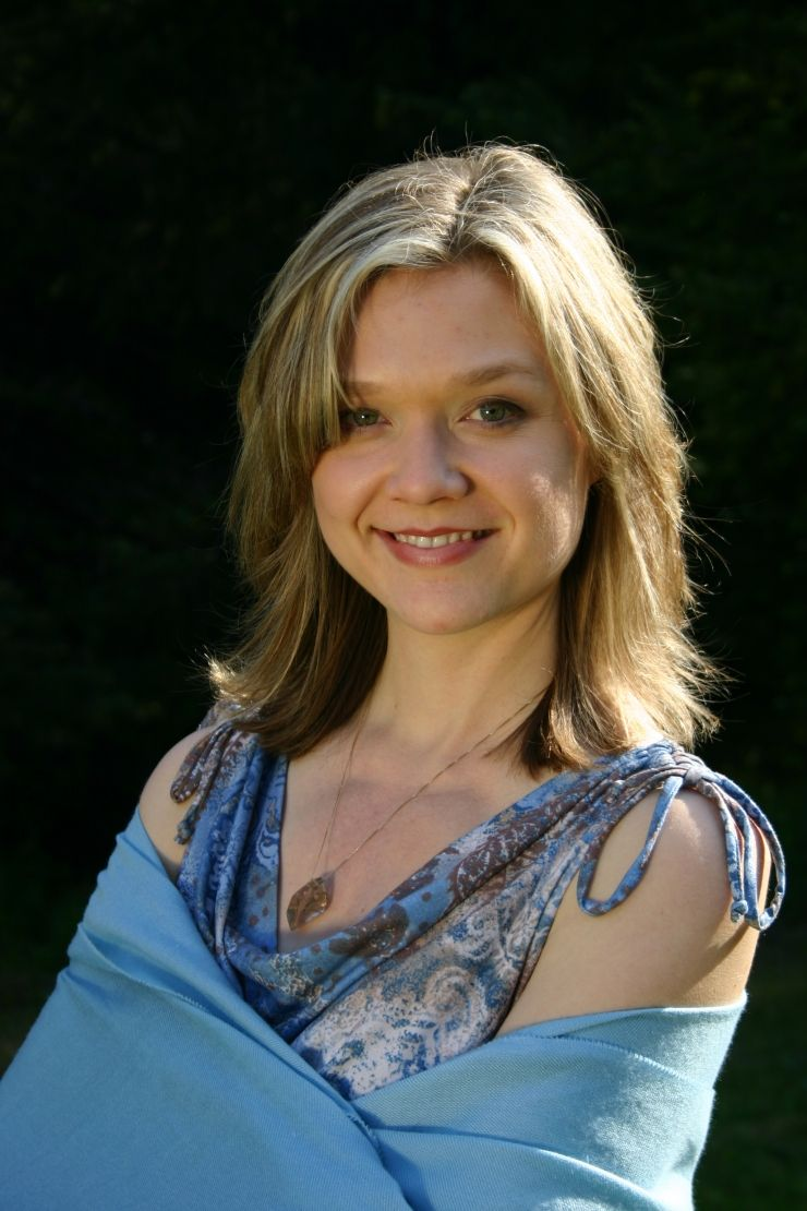 ariana richards ariana richards pinterest. Black Bedroom Furniture Sets. Home Design Ideas